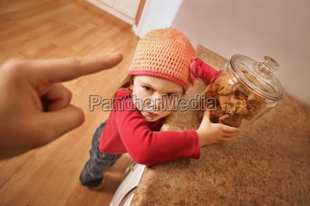 kind bekommt probleme fuer schleichende cookies