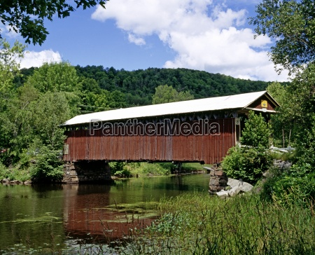 covered bridge eastern townships quebec canada