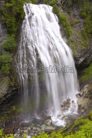 narada falls mount rainier national park