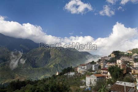 fahrt reisen anhoehe huegel berge tourismus