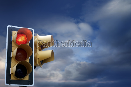 vorsicht gesetz leuchte lampe haltestelle ampel