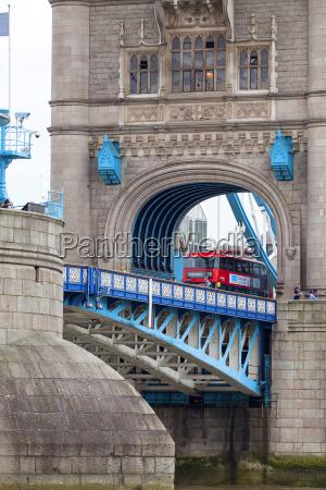 tower bridge auf der themse und