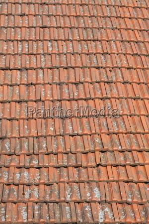 rote dachziegel dachziegelsteine dach