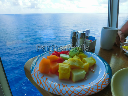 dining room buffet an bord des