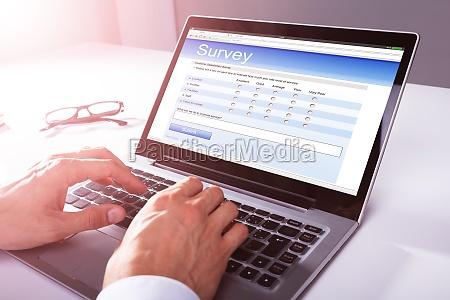 portatile computer schermo rapporto riempire travasare