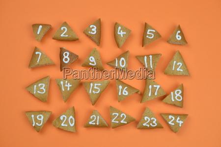 24 advent cookies mit zahlen auf