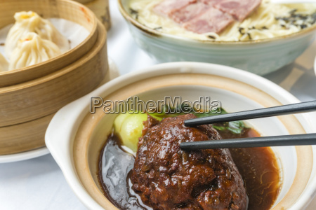 traditional shanghai stewed meatball