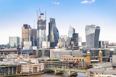 londoner innenstadt mit der themse
