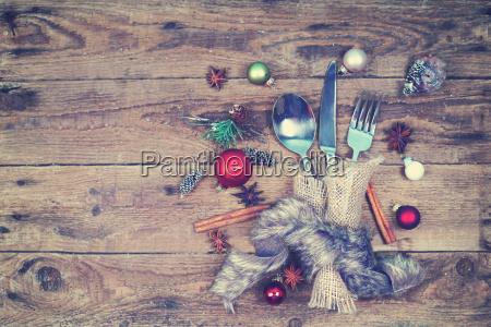 vintage besteck fuer weihnachtsessen saisonale geschirr