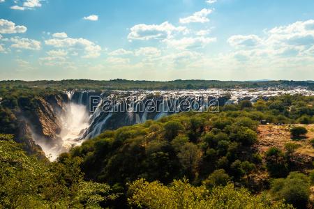 ruacana falls im norden namibias in