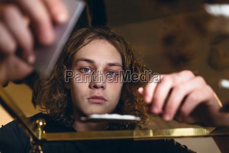 nahauffuehrung eines teenagers der von drogenmissbrauch