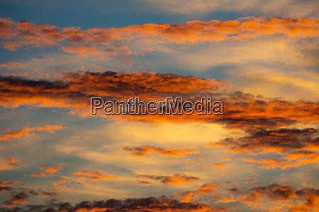 sonnenuntergang bunt farbenfroh farbenpraechtig mannigfaltig farbenreich