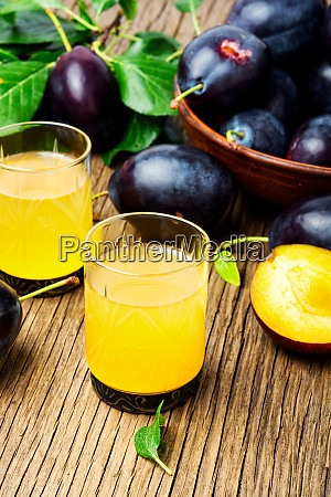 plum alcoholic drink