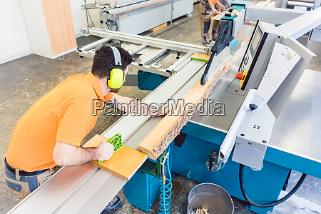 carpenter cutting board with table saw
