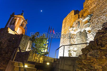 castelo rodrigo uhrenturm und ruinierpalast