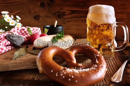 oktoberfest bier und weisse sausage001