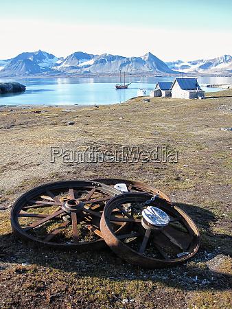 haus gebaeude haeuser berge winter arktis