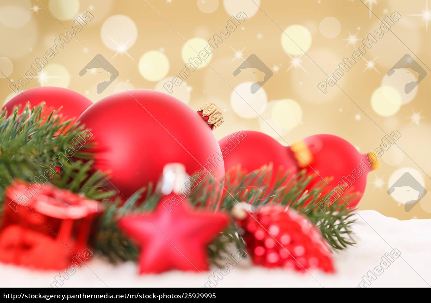 Goldene Weihnachtskugeln.Lizenzfreies Bild 25929995 Weihnachtskugeln Rot Goldene Dekoration Kugeln Schnee Copyspace