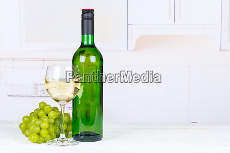white wine grapes drink copyspace copy