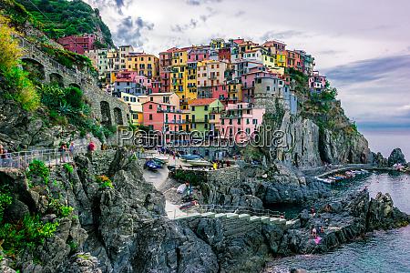 malerische stadt manarola ligurien italien