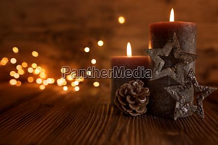 stillleben mit kerzen zu weihnachten
