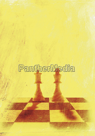king and queen chess pieces on