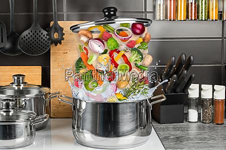kreatives essen kochen lebensmittel explosion konzept