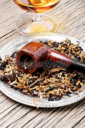 tabakrohr und alkohol
