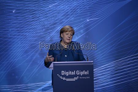 die deutsche bundeskanzlerin dr angela merkel