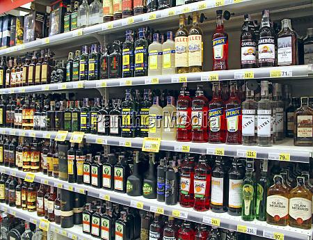 cognacs wodka likoere und andere alkoholische