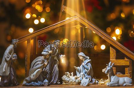 weihnachtskrippe jesus christus maria und josef
