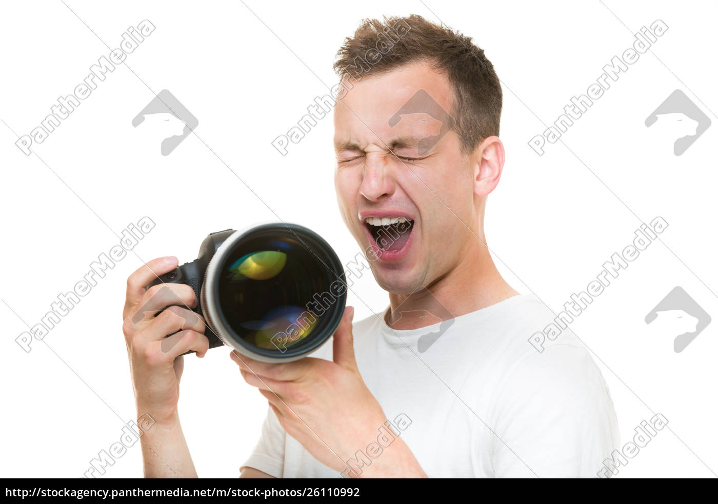 junger, profi-fotograf, mit, digitalkamera-dslr-kamera, und, einem - 26110992