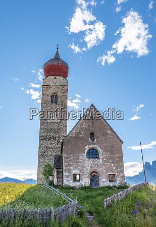 nikolaikirche in mittelberg