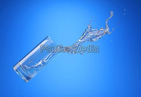 glas mit spritzenden wasser spritzen seitenansicht