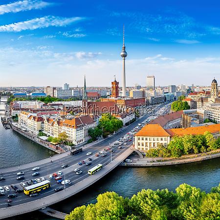 panoramablick auf central berlin an einem