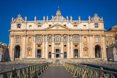 kuppel der kathedrale st peter im