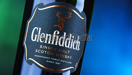 flasche glenfiddich single malt scotch whisky
