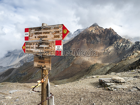italy ortler alps sign post gran