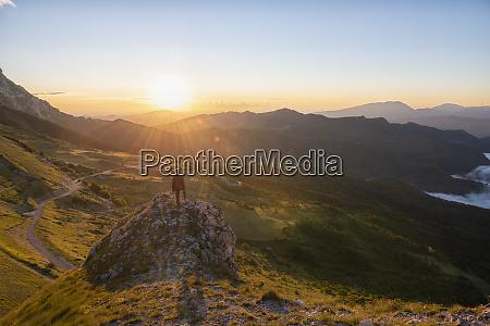 italy umbria sibillini national park hiker