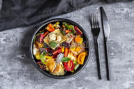 ravioli salad with tomato grapes mozzarella
