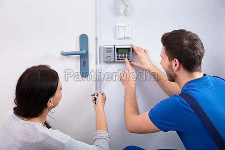 handyman installieren sicherheitssystem in der naehe