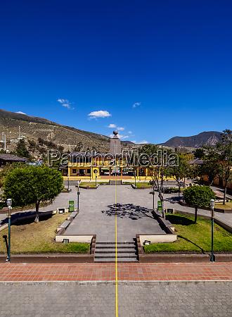 equator line ciudad mitad del mundo