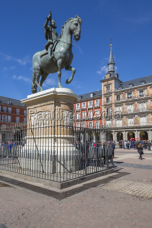 view of philip lll statue and