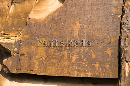 petroglyphs colorado river basin 6000 bc