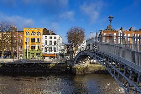 the liffey bridge hapenny bridge dublin