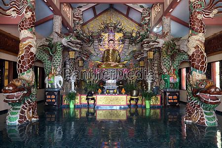 main altar with shakyamuni buddha statue