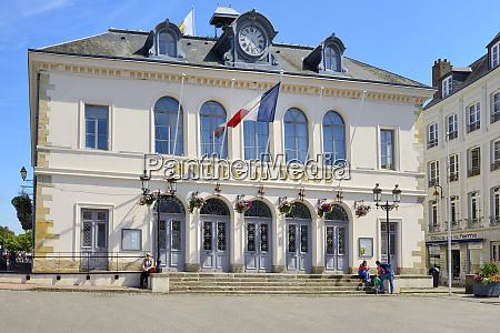 hotel de ville town hall quai