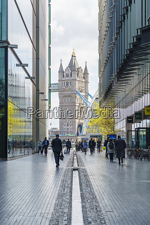 london bridge city the area between