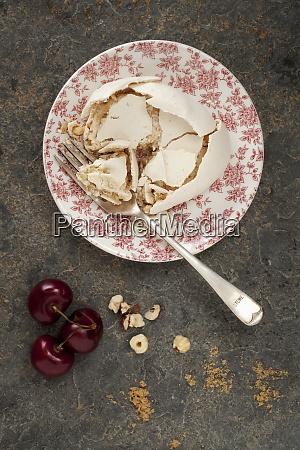 knackte meringue mit braunem zucker