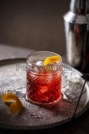 negroni cocktail wermut gin und campari